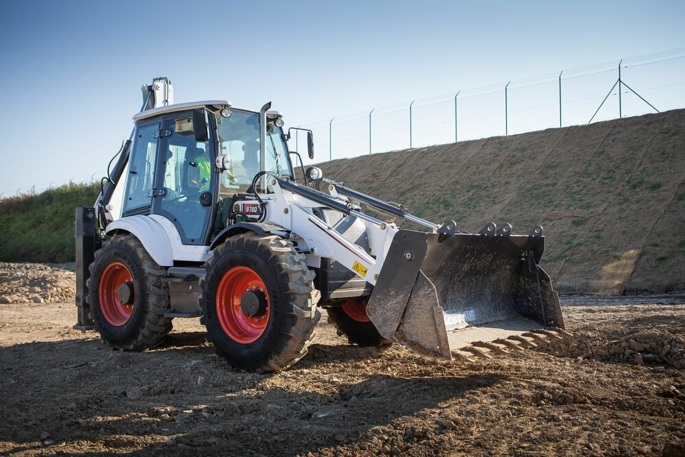 B780 Backhoe Excavator for hire